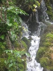 Водопад с питьевой водой