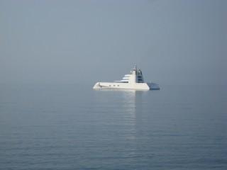 Яхта около Будвы