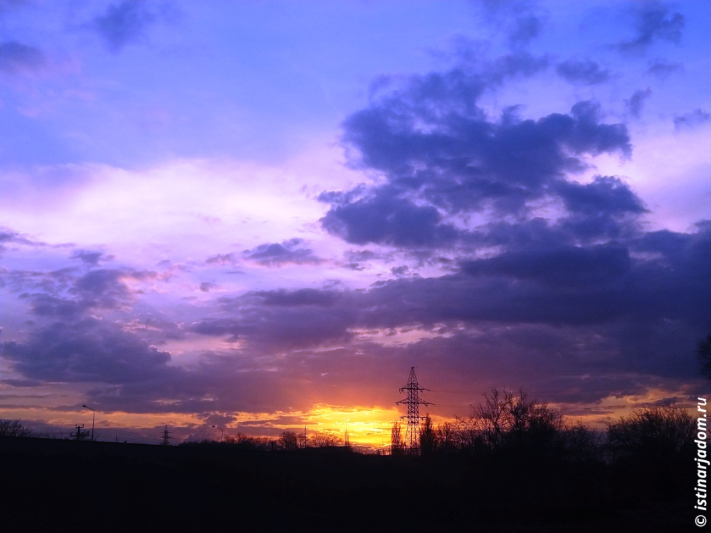 Закат, вид на пляж р. Везёлка